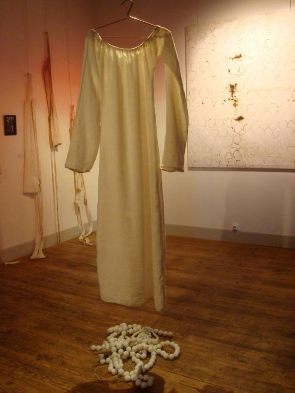 """Installation pour l'expo interactive """"Le chasseur de gravité"""" avec les artistes de la compagnie de danse coda norma - Musée de Cordes"""