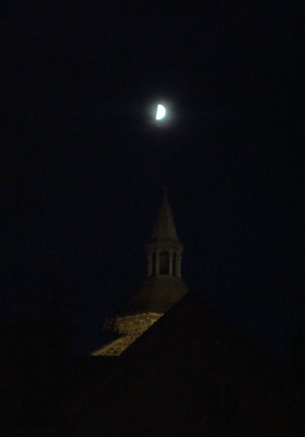 Besse-en-Chandesse, Puy de Dôme - by night