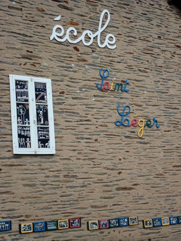 Ecole Saint-Léger, Bretagne