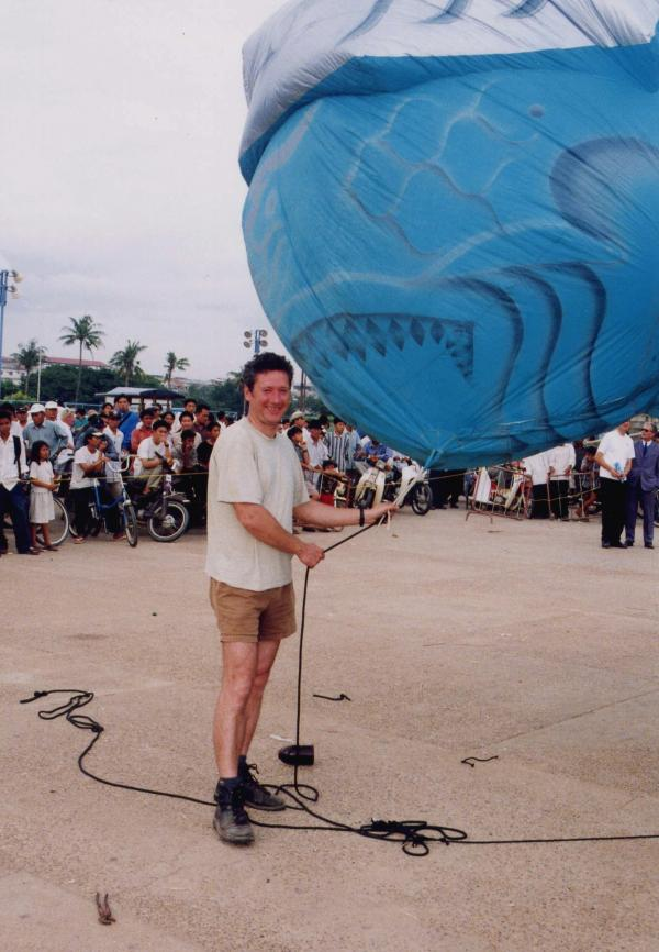 Christian - Plasticiens Volants - Phnom Penh - Cambodge - 1999