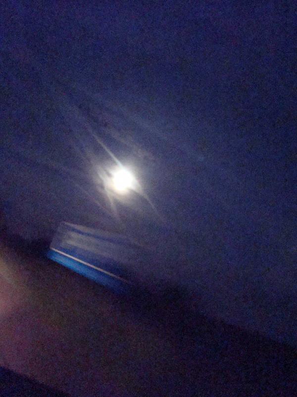 Pleine lune au vol