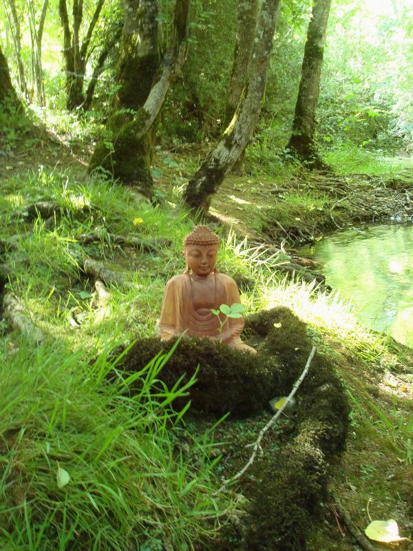Bouddha en méditation au Lantouy