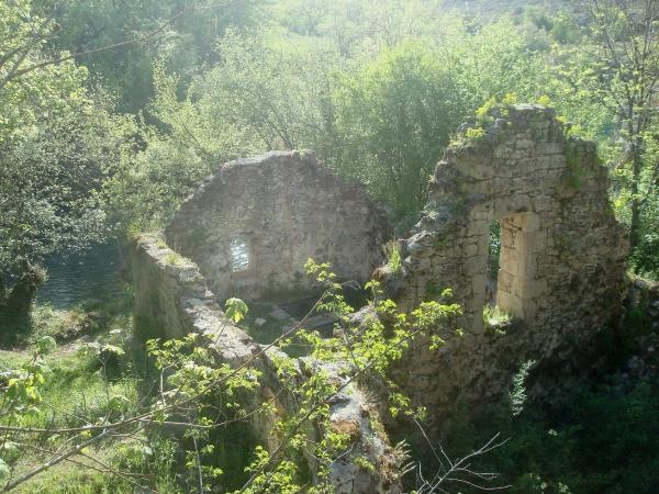 Vieux moulin au bord de l'Ouysse