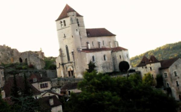 St Cirq-Lapopie penché