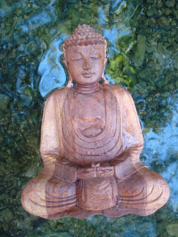 Bouddha en méditation fait la planche au gouffre du Lantouy