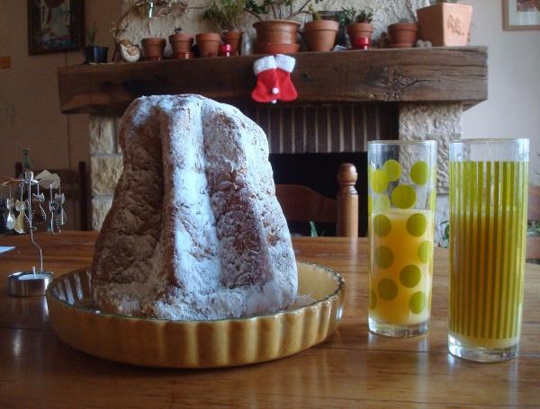 Noël au pandoro, jus d'ananas-coco